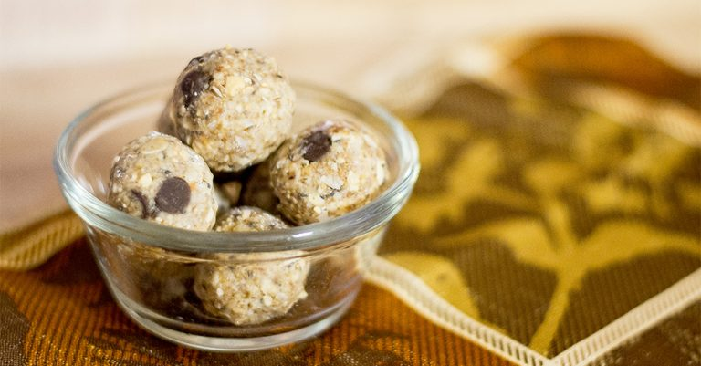POWER-PACKED GRANOLA BALLS